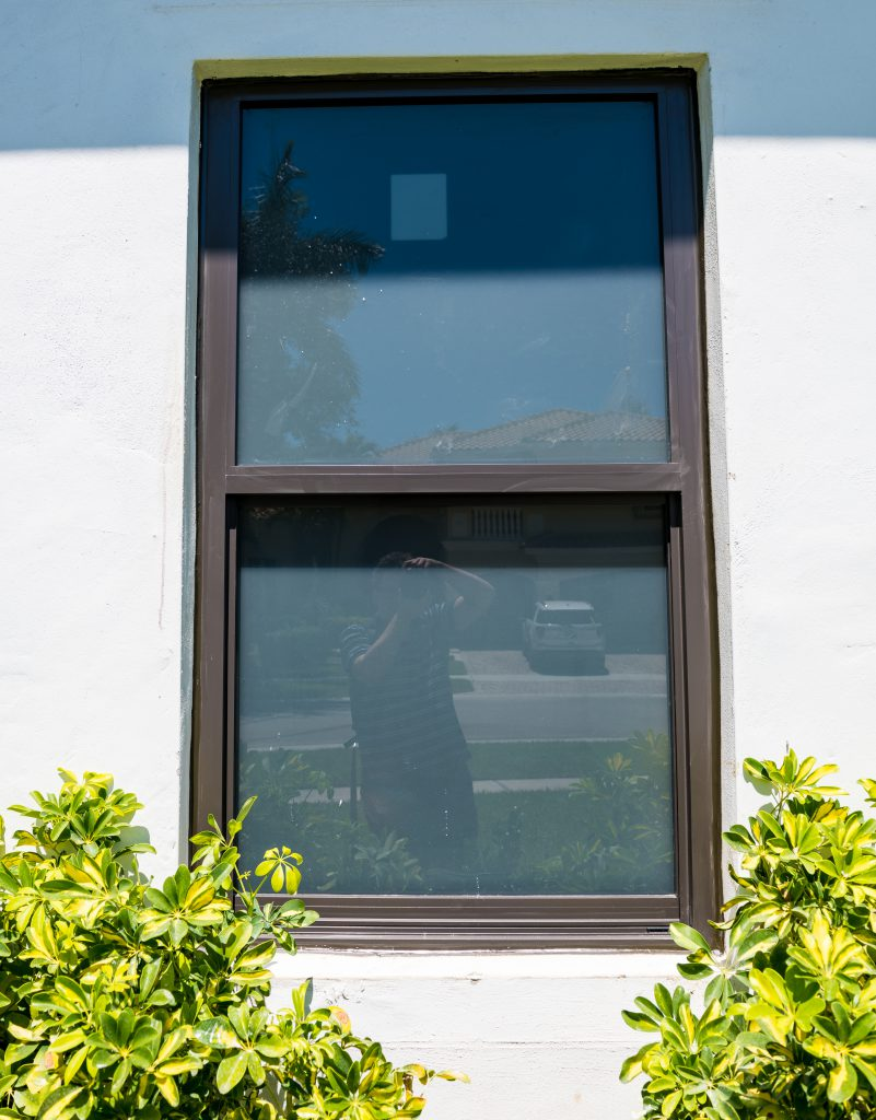 Single-Hung ES Hurrricane Window